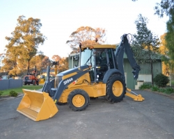 http://eireka.equipmentsales.com.au/vehicle/OAG-AD-2193378?orderBy=1&hideSearch=&dealer=AG-SELLER-2895&keywords=&adType=&category=Backhoe%2BLoader&subCategory=&make=&model=&yearMin=&yearMax=&priceMin=&priceMax=