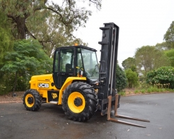 http://eireka.equipmentsales.com.au/vehicle/OAG-AD-926969?