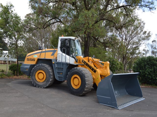 liebherr L556 wheel loader for sale